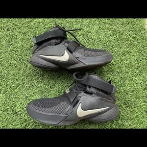 a97d688c15ee4c Kids  Used Lebron Shoes on Poshmark